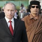 Muammar Gaddafi und Vladimir Putin (Quelle: Wikipedia)